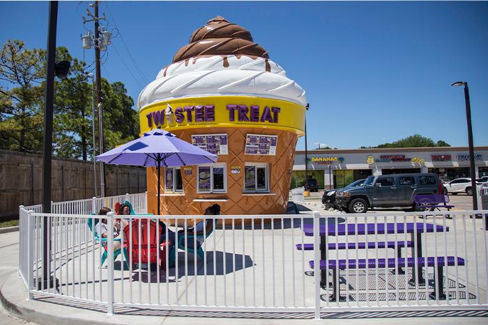 tenant-rep-twistee-treat
