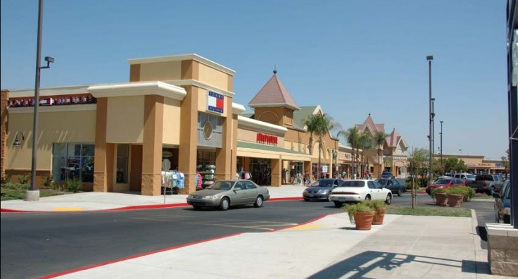 344c29927490c Tulare Outlets – Woodmont
